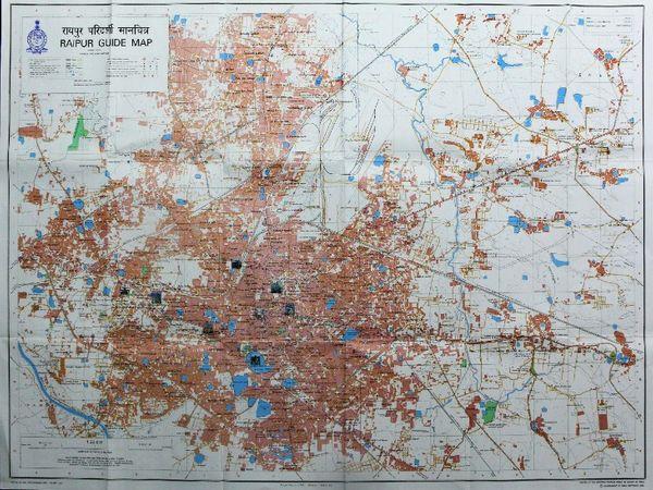 सर्वे ऑफ इंडिया की टीम ने एक साल तक फोटो के छोटे-छोटे हिस्सों के अनुसार जमीन मापी। उसके बाद इंच-सेमी में उसे नक्शे पर उतारा। - Dainik Bhaskar