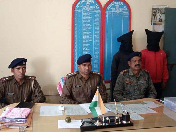 गिरफ्तार 5 बदमाशों में से तीन के पैर में चोट लगने की वजह से उन्हें अस्पताल में भर्ती कराया गया है। - Dainik Bhaskar