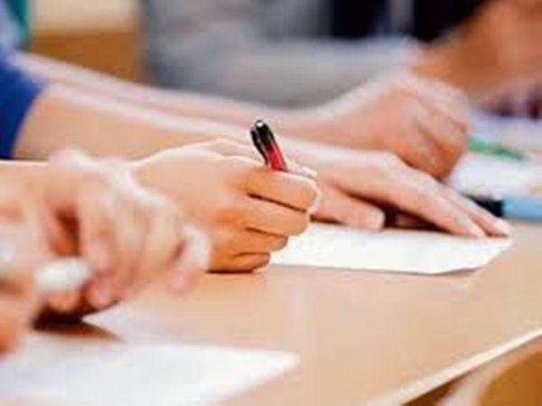 स्कूलों को ही अपने स्तर पर डेटशीट और प्रश्नपत्र तैयार कर खुद परीक्षा का आयोजन करना होगा। - प्रतीकात्मक तस्वीर - Dainik Bhaskar