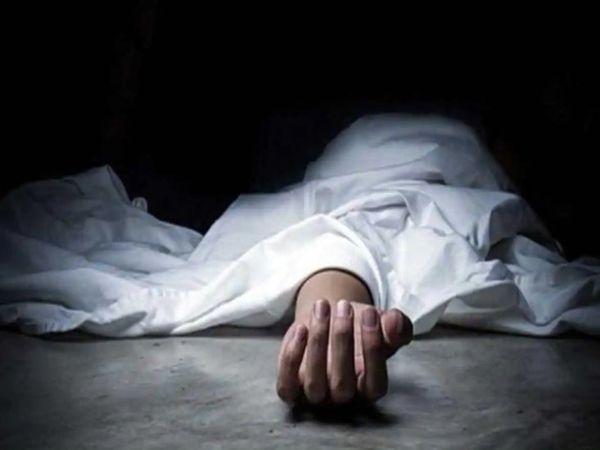 कार हादसे में मृत दोनों लोग दिल्ली किसी रिश्तेदार के यहां जा रहे थे। - प्रतीकात्मक तस्वीर - Dainik Bhaskar
