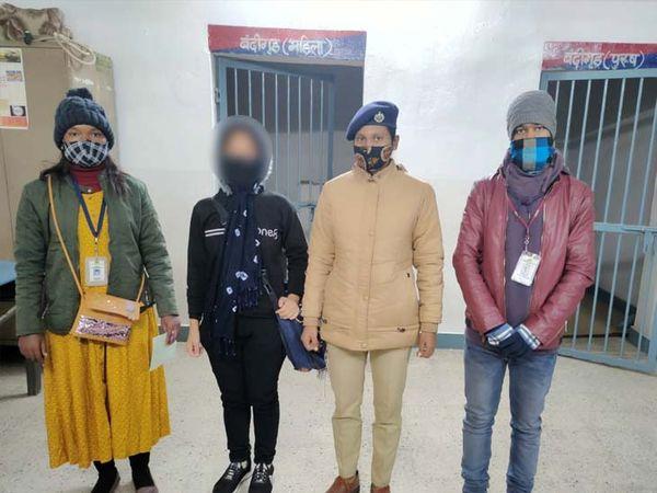 रांची रेलवे स्टेशन पर पहुंची नाबालिग लड़की के पास कोई टिकट भी नहीं था। - Dainik Bhaskar