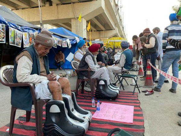 आंदोलन में शामिल बुजुर्ग किसानों के लिए हर जरूरत की चीज यहां उपलब्ध है। उनकी हेल्थ का भी ध्यान रखा जा रहा है।