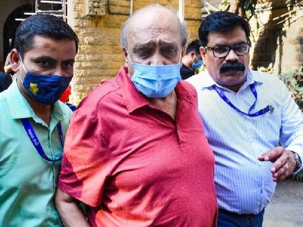 दिलीप छाबड़िया को मंगलवार को मुंबई की कोर्ट में पेश किया गया।