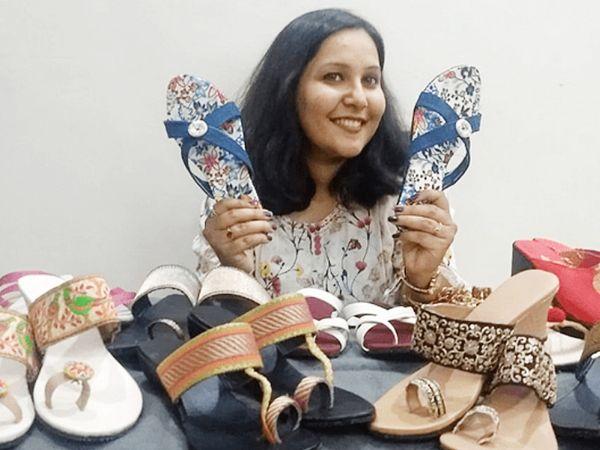 पूजा कहती हैं- हम मेंस, वुमंस कैटेगरी में 35 तरह के प्रोडक्ट तैयार कर रहे हैं, जिसे हम ऑनलाइन प्लेटफॉर्म के जरिए सेल करते हैं।
