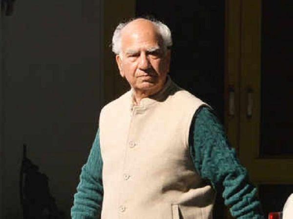 कोरोना संक्रमित हिमाचल के पूर्व मुख्यमंत्री शांता कुमार ने खुद फोर्टिस में इलाज कराने की इच्छा जाहिर की है। - Dainik Bhaskar