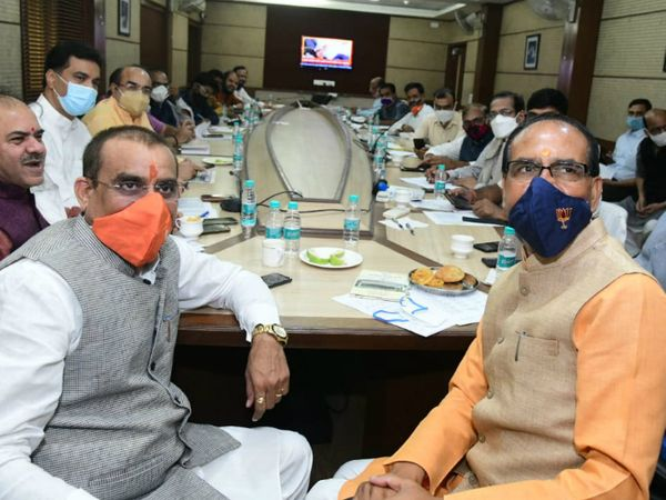 बीजेपी के प्रदेश अध्यक्ष वीडी शर्मा एक-दो दिन में प्रदेश कार्यकारिणी की घोषणा कर देंगे। रविवार को मुख्यमंत्री शिवराज सिंह चौहान के साथ बैठक कर नामों को अंतिम रूप दिया जाएगा। फाइल फोटो - Dainik Bhaskar
