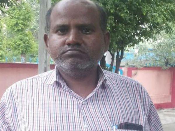 आरोपी बर्खास्त जूनियर इंजीनियर रामभवन। - Dainik Bhaskar