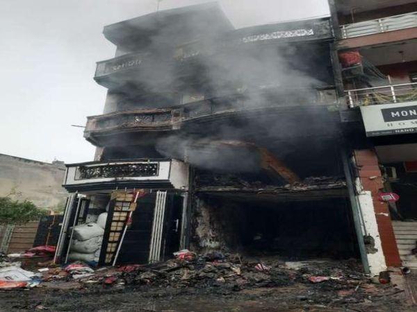 फायर ब्रिगेड की 8 गाड़ियां मौके पर पहुंची और बड़ी मुश्किल से आग पर काबू पाया गया। - Dainik Bhaskar