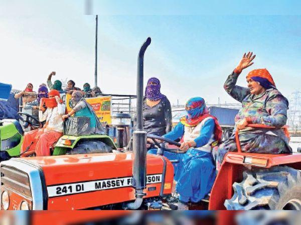 हरियाणा के किसान संगठनों ने हर गांव से 10 महिलाओं को 26 जनवरी के लिए दिल्ली बुलाया है। अब यही आह्वान यूपी के किसानों ने किया है। महिलाएं गणतंत्र दिवस पर ट्रैक्टर मार्च की अगुआई करेंगी। बुधवार को रिहर्सल शुरू हुई। - Dainik Bhaskar