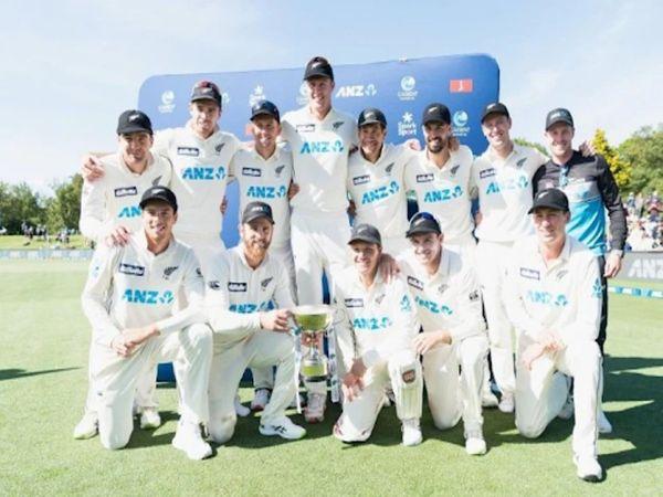 न्यूजीलैंड ने दाे टेस्ट मैचाें की सीरीज को 2-0 से हराया। इसके साथ ही वह पहली बार ICC वर्ल्ड टेस्ट रैंकिंग में पहली बार नंबर वन पर पहुंच गई है। - Dainik Bhaskar