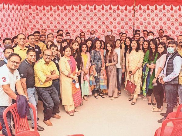 स्कूल में नए कमरों का उद्घाटन कलेक्टर व अन्य अतिथियों ने किया। - Dainik Bhaskar