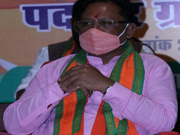 13 जनवरी को भाजपा धान के मुद्दे पर प्रदेश सरकार के खिलाफ विरोध प्रदर्शन  करने जा रही है। इस बयानबाजी ने आग में घी का काम कर दिया है। फाइल फोटो विष्णु देव साय। - Dainik Bhaskar