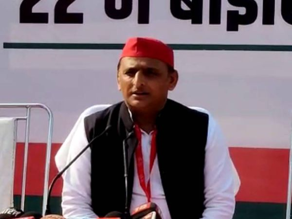 सपा अध्यक्ष अखिलेश यादव। - Dainik Bhaskar
