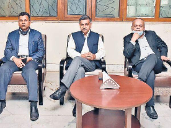 प्रधान मुख्य आयकर आयुक्त आरके पालीवाल की पत्रवार्ता - Dainik Bhaskar