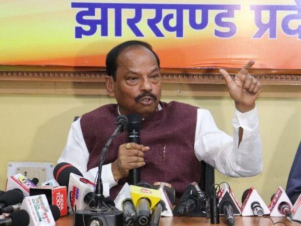 जब सरकार को नेतृत्व करने वाला अक्षम हो तब सारी मुसीबतें शरू हो जाती हैं। - Dainik Bhaskar