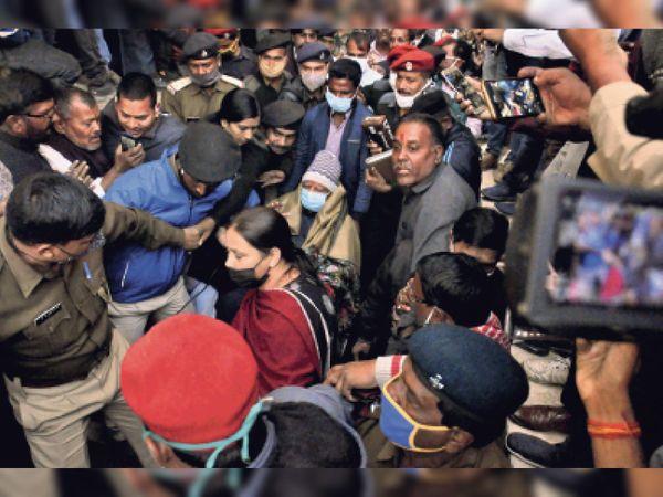दाेपहर 1.15 बजे मीसा भारती रिम्स के पेइंग वार्ड पहुंची