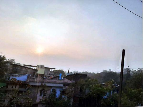 रविवार को को रांची समेत आसपास के इलाकों में सुबह से ही आसमान साफ रहा। - Dainik Bhaskar