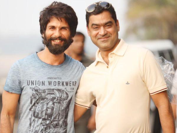 शाहिद कपूर के साथ मुराद खेतानी 'कबीर सिंह' बना चुके हैं, जो तेलुगु फिल्म 'अर्जुन रेड्डी' की हिंदी रीमेक थी। इस फिल्म के राइट खेतानी ने 4-5 करोड़ रुपए में खरीदे थे।
