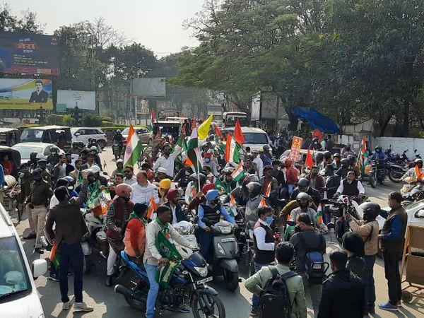 रांची में किसानों के समर्थन में बाइक रैली निकाली गई।