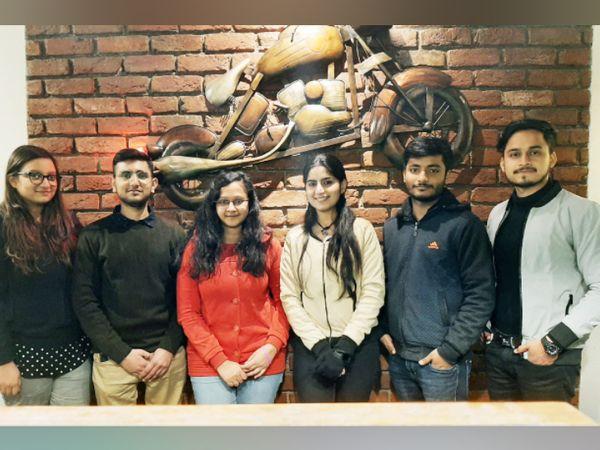 वर्तमान में ऋषभ और लकी के स्टार्टअप की काेर टीम में 8 मेंबर हैं, इनके अलावा 15 इंटर्न भी काम करते हैं। सबकी उम्र 18 से 22 साल के बीच ही है।