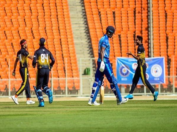 सैयद मुश्ताक अली ट्रॉफी के क्वार्टरफाइनल में पंजाब ने डिफेंडिंग चैम्पियन कनार्टक को 9  विकेट से हराया। - Dainik Bhaskar