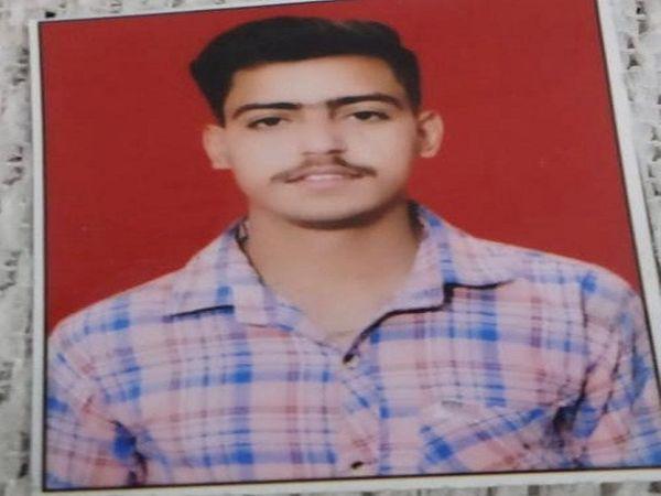 दिल्ली पैरलल नहर में लापता नीरज। - Dainik Bhaskar