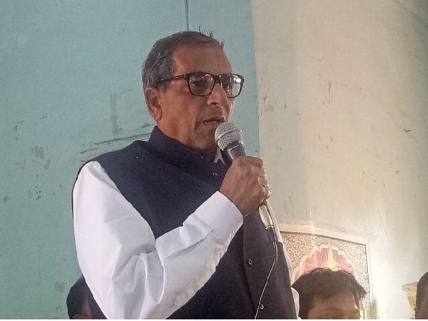 उज्जैन शहर कांग्रेस अध्यक्ष महेश सोनी ने कहा कि महापौर पद के लिए नगर निगम क्षेत्र का ही कार्यकर्ता दावेदारी कर सकता है।
