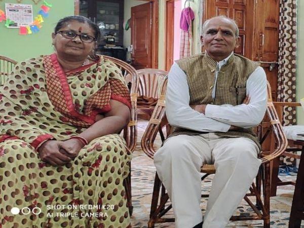 मंदिर निर्माण अभियान की जिम्मेदारी संभाल रही दंपति - Dainik Bhaskar