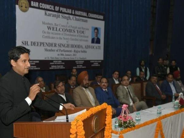हुड्डा ने कहा- किसानों के मुद्दे गंभीर हैं और उन्हें गंभीरता से ही लेने की जरूरत है।उनके साथ किसी भी तरह का अन्याय नहीं होना चाहिए। - Dainik Bhaskar