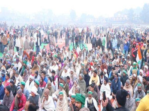 यूपी के मुजफफरनगर में शुक्रवार को आयोजित किसान पंचायत में जमकर भीड़ दिखाई दी। - Dainik Bhaskar
