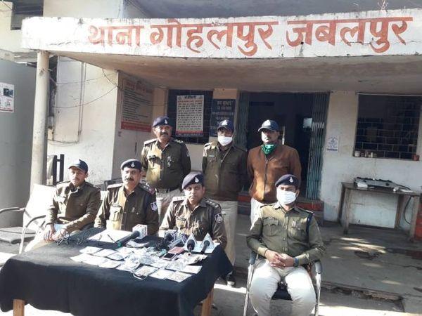 सीसीटीवी की मदद से पुलिस ने 24 घंटे के अंदर खुलासा कर लिया। सीएसपी अखिलेश गौर ने मामले का खुलासा किया।