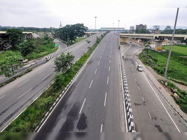पटना की तरफ कच्ची दरगाह से नवनिर्मित पटना-बख्तियारपुर (एनएच- 30) हाईवे तक एप्रोच रोड बन रहा है। - Dainik Bhaskar