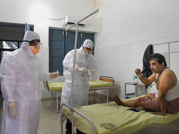 कोरोना के लिए बनाये गए अस्पतालों में तो रोगी नहीं है लेकिन पोस्ट कोविड वार्ड में अभी भी रोगी है और मौत का सिलसिला अभी जारी है। - Dainik Bhaskar