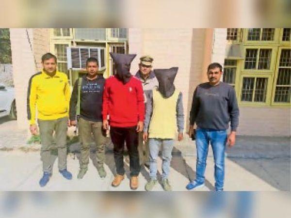 पानीपत. अवैध हथियार के साथ गिरफ्तार मोस्ट वांटेड और उसका साथी। - Dainik Bhaskar