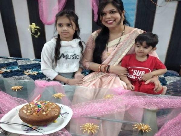 नेहा ने 6 दिन पहले बेटी अनन्या का जन्म दिन मनाया था।