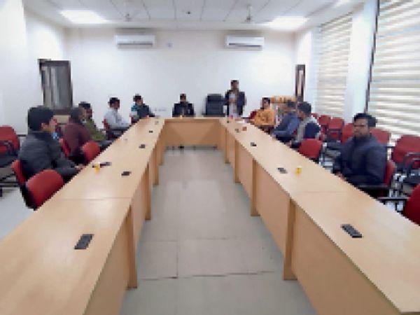 महेंद्रगढ़ के केन्द्रीय विश्वविद्यालय में संगोष्ठी में उपस्थित अखिल भारतीय विद्यार्थी परिषद के सदस्य। - Dainik Bhaskar