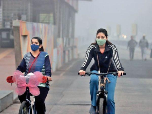 ई-साइकिल की भी मांग बढ़ी, डेढ़ घंटे चार्जिंग में 25 किमी चलती है। - Dainik Bhaskar