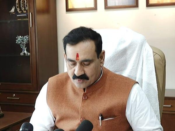 गृहमंत्री नरोत्तम मिश्रा ने मंगलवार को मंत्रालय में हुई कैबिनेट की बैठक में हुए निर्णय की जानकारी मीडिया को दी। - Dainik Bhaskar
