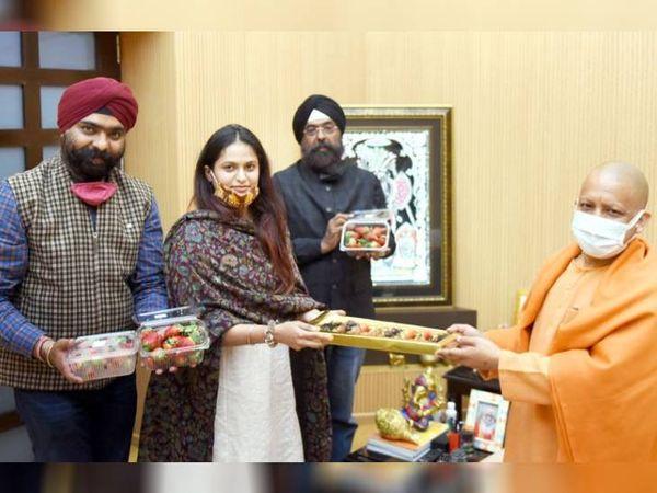 सोमवार को गुरलीन को यूपी के मुख्यमंत्री योगी आदित्यनाथ ने सम्मानित किया था। हाल ही में उन्हें झांसी में आयोजित स्ट्रॉबेरी फेस्टिवल का ब्रांड एंबेसडर बनाया गया है।