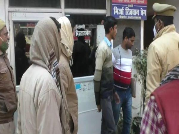 नालंदा पुलिस को उसका लोकेशन कई दिनों से वाराणसी में मिल रहा था। - Dainik Bhaskar
