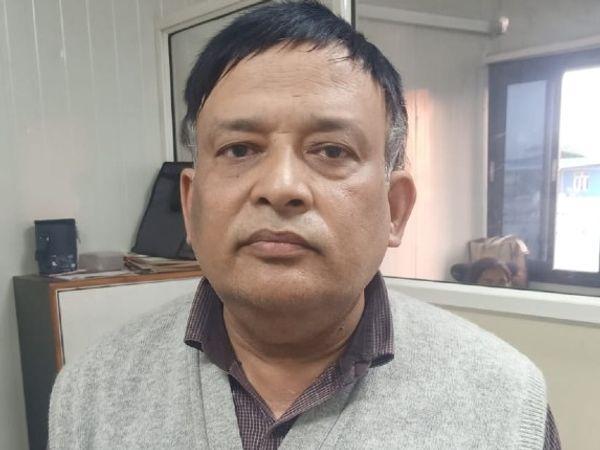 PCPNDT की कार्रवाई के बाद गिरफ्तार किया डॉक्टर नवीन शर्मा। - Dainik Bhaskar