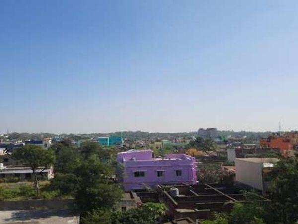 रांची में सुबह से धूप खिली है। मौसम वैज्ञानिक के मुताबिक शाम तक बारिश होने के आसार हैं। (फाइल) - Dainik Bhaskar