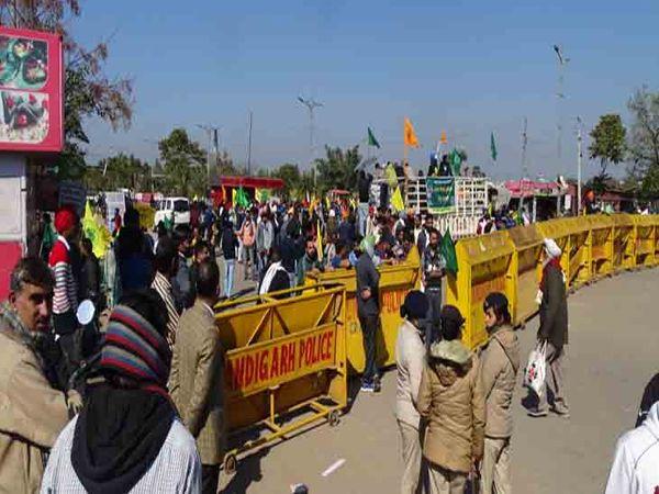 मुल्लांपुर बैरियर पर चंडीगढ़ पुलिस तैनात रही