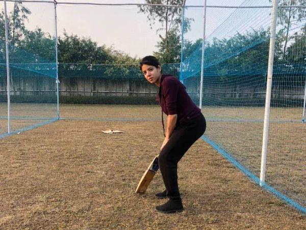 वेब सीरीज में पुरुष व महिला खिलाड़ी एक साथ खेलती नजर आएंगी। इसे मिक्स जेंडर क्रिकेट कहते हैं।