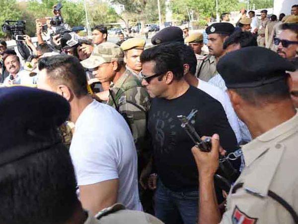 काला हिरण शिकार प्रकरण में ट्रायल कोर्ट ने 5 अप्रैल 2018 को सलमान खान को दोषी करार देते हुए पांच साल की सजा सुनाई थी।- फाइल फोटो। - Dainik Bhaskar