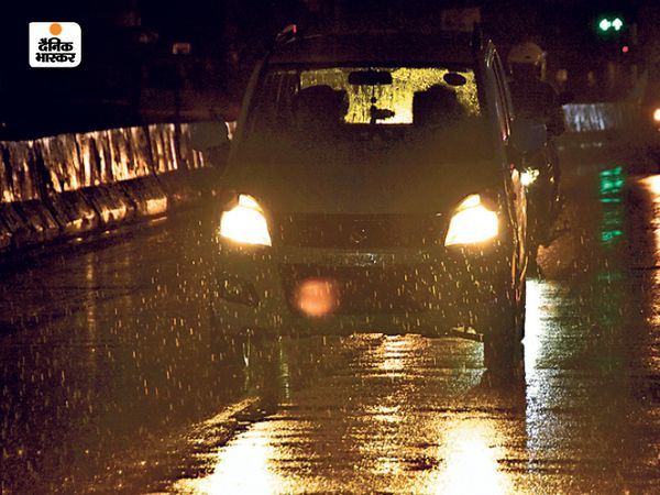 रांची में बीती रात तेज बारिश हुई, जिसके बाद ठंड में बढ़ोतरी हो गई है।
