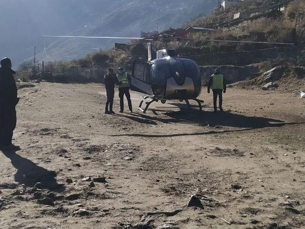 घायलों को अस्पताल पहुंचाने के लिए हेलिकाॅप्टर की मदद ली जा रही है।