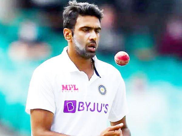 अश्विन ने इंग्लैंड के खिलाफ पहली पारी में 55.1 ओवर गेंदबाजी की। यह ओवर के मामले में उनके द्वारा एक पारी में की गई सबसे ज्यादा गेंदबाजी है। - Dainik Bhaskar