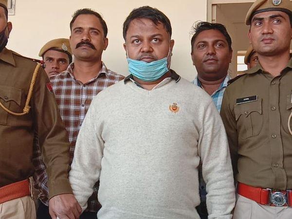पुलिस ने आरोपी को फिरोजपुर झिरका जिला नूह हरियाणा से गिरफ्तार किया। - Dainik Bhaskar