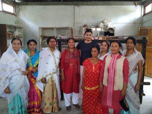 काकुल टीम के साथ 200 से ज्यादा महिलाएं जुड़कर खुद की जीविका चला रही हैं।